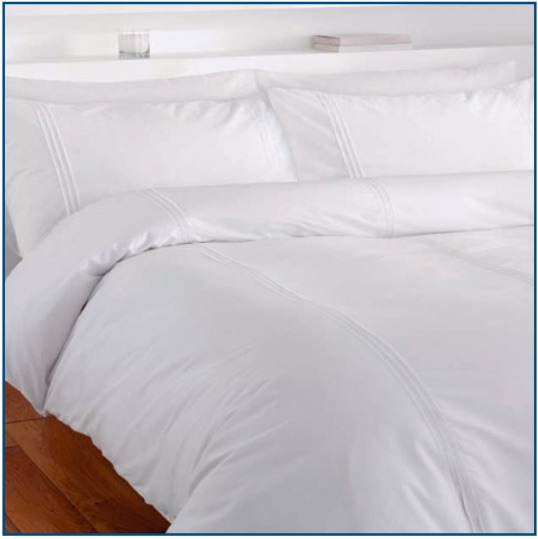 White duvet set with three parallel pin tucks
