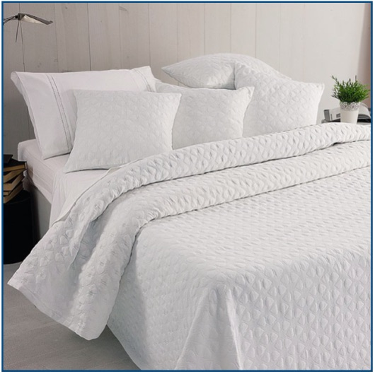 Light-weight, white dainty heart design bedspread