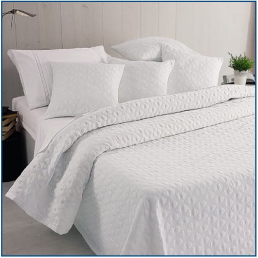Hearts White Bedspread