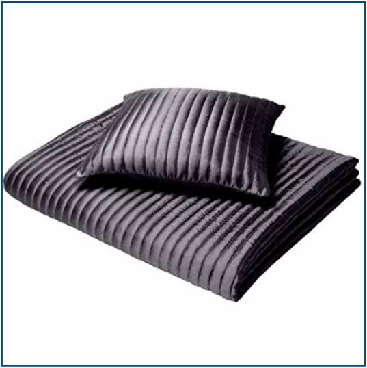 Quilted black, ribbed cushion cover
