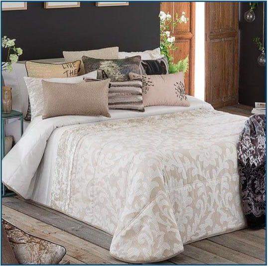 Mai Bedspread