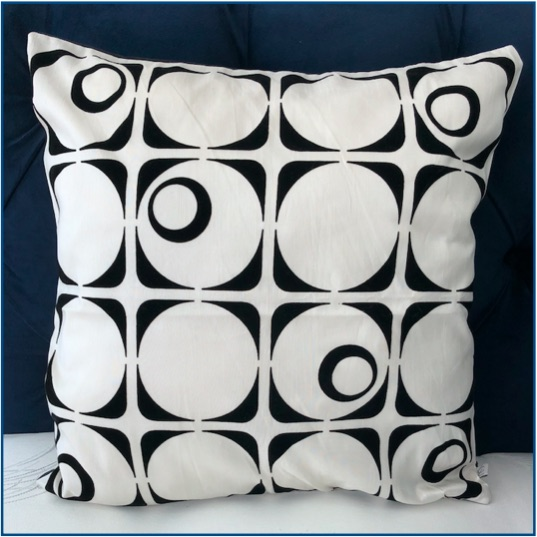 Retro black and white patterned cushion cover